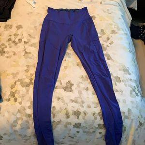 LuluLemon Highwaisted Blue Leggings w/pockets